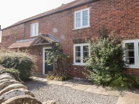 5 bedroom Cottage for rent in Newent