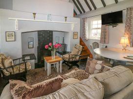 No. 7 Lough Derg Thatched Cottages - South Ireland - 915742 - thumbnail photo 3