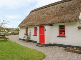 No. 10 Lough Derg Thatched Cottage - South Ireland - 916416 - thumbnail photo 2