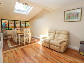St Mary's Hill Cottage - North Wales - 916618 - thumbnail photo 9