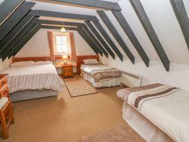 No. 9 Lough Derg Thatched Cottages - South Ireland - 916653 - thumbnail photo 10