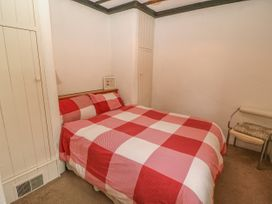 No. 9 Lough Derg Thatched Cottages - South Ireland - 916653 - thumbnail photo 13
