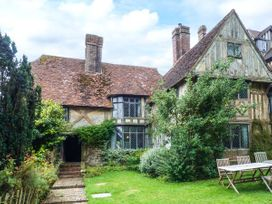 7 bedroom Cottage for rent in Chiddingstone
