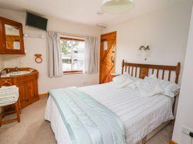 Holly Farm Cottage - Mid Wales - 917219 - thumbnail photo 16