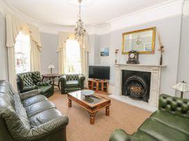 Burford House - Isle of Wight & Hampshire - 917394 - thumbnail photo 6