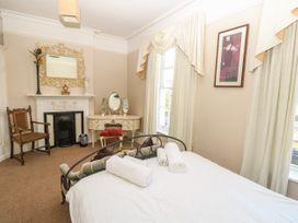 Burford House - Isle of Wight & Hampshire - 917394 - thumbnail photo 26