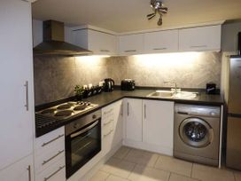 The Hideaway Apartment 1 - North Wales - 917646 - thumbnail photo 2
