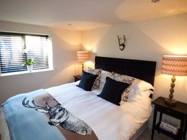The Hideaway Apartment 1 - North Wales - 917646 - thumbnail photo 5