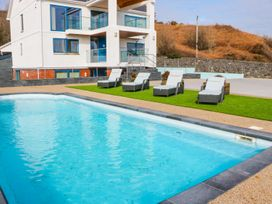 Beach House Apartment - Anglesey - 917769 - thumbnail photo 18