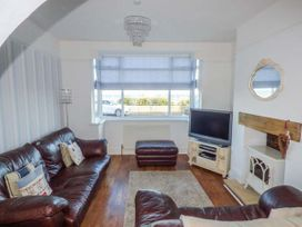 Sea View House - Whitby & North Yorkshire - 918016 - thumbnail photo 2
