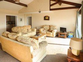 Swifts - Isle of Wight & Hampshire - 918526 - thumbnail photo 3