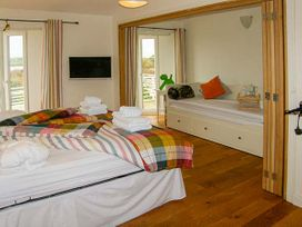 The West Wing at Bryn Owain - Anglesey - 918878 - thumbnail photo 8