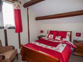 Upper Camnant Barn - Mid Wales - 918935 - thumbnail photo 9