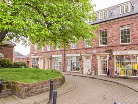 The Apple Store - North Wales - 919014 - thumbnail photo 25