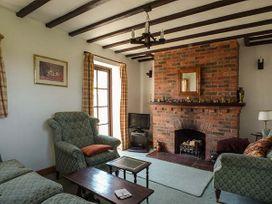 Chevinside Cottage - Peak District - 919593 - thumbnail photo 3