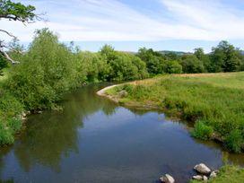 The Roe - North Wales - 919602 - thumbnail photo 23