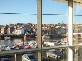 What a View at Quayside Apartment - Whitby & North Yorkshire - 920191 - thumbnail photo 2