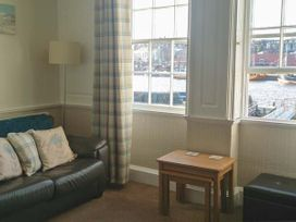 What a View at Quayside Apartment - Whitby & North Yorkshire - 920191 - thumbnail photo 4