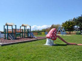 45H Medmerry Park Holiday Park - Kent & Sussex - 920594 - thumbnail photo 15