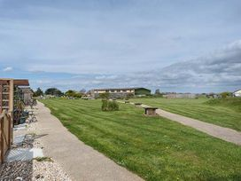 45H Medmerry Park Holiday Park - Kent & Sussex - 920594 - thumbnail photo 20