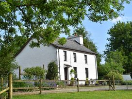 4 bedroom Cottage for rent in Abergavenny