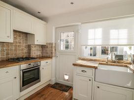 Snowdrop Cottage - Whitby & North Yorkshire - 921824 - thumbnail photo 7