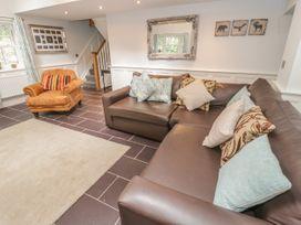 Bryn Derwen Coach House - North Wales - 921922 - thumbnail photo 10