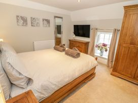 Bryn Derwen Coach House - North Wales - 921922 - thumbnail photo 22