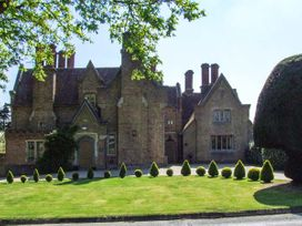 The Lodge - Cotswolds - 922309 - thumbnail photo 1