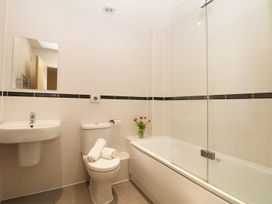 24 Bay Retreat Villas - Cornwall - 922465 - thumbnail photo 8