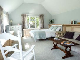 Standard Hill Cottage - Kent & Sussex - 922692 - thumbnail photo 3