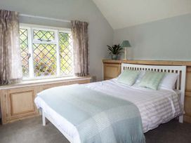 Standard Hill Cottage - Kent & Sussex - 922692 - thumbnail photo 8