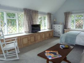Standard Hill Cottage - Kent & Sussex - 922692 - thumbnail photo 9