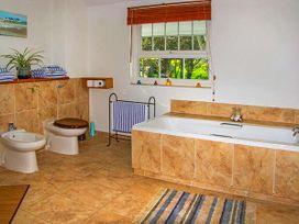 Oakwood Mews Cottage - North Wales - 922916 - thumbnail photo 15