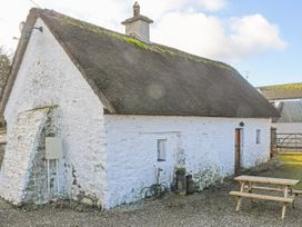 High Nelly Cottage - East Ireland - 923044 - thumbnail photo 11