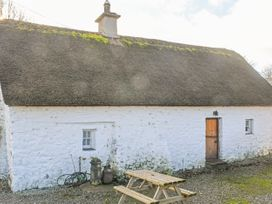 High Nelly Cottage - East Ireland - 923044 - thumbnail photo 12