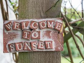Sunset Cottage - Somerset & Wiltshire - 923628 - thumbnail photo 2