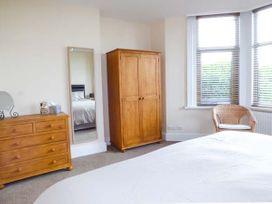 Garden Apartment - North Wales - 923688 - thumbnail photo 9