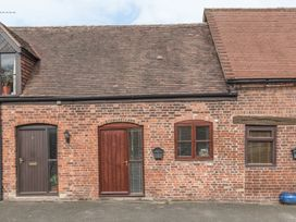 2 Bank Farm Mews - Shropshire - 923859 - thumbnail photo 2