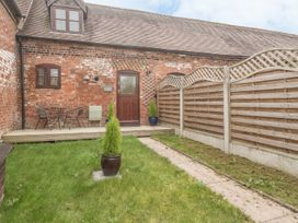 2 Bank Farm Mews - Shropshire - 923859 - thumbnail photo 17