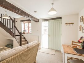 2 Bank Farm Mews - Shropshire - 923859 - thumbnail photo 3