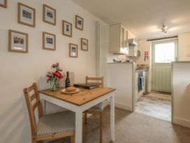 2 Bank Farm Mews - Shropshire - 923859 - thumbnail photo 8
