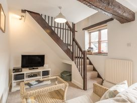 2 Bank Farm Mews - Shropshire - 923859 - thumbnail photo 5