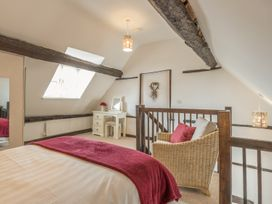 2 Bank Farm Mews - Shropshire - 923859 - thumbnail photo 14
