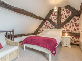 2 Bank Farm Mews - Shropshire - 923859 - thumbnail photo 15