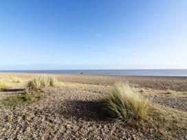 Sea Breezes - Suffolk & Essex - 923949 - thumbnail photo 23