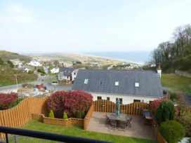 5 bedroom Cottage for rent in Pendine