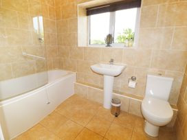 Leigh Holt - Somerset & Wiltshire - 924356 - thumbnail photo 11