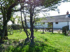 Hill Top Farm Cottage - South Wales - 924622 - thumbnail photo 2