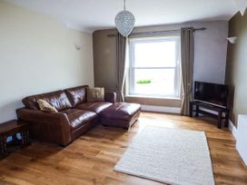 Sea View Apartment - North Wales - 924749 - thumbnail photo 5